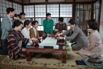 NHK連続テレビ小説「まんぷく」第100回の一場面(C)NHK