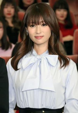連続ドラマ「初めて恋をした日に読む話」主演の深田恭子さん