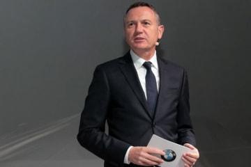 BMW 新型3シリーズ発表会 ビー・エム・ダブリュー株式会社 ペーター・クロンシュナーブル社長