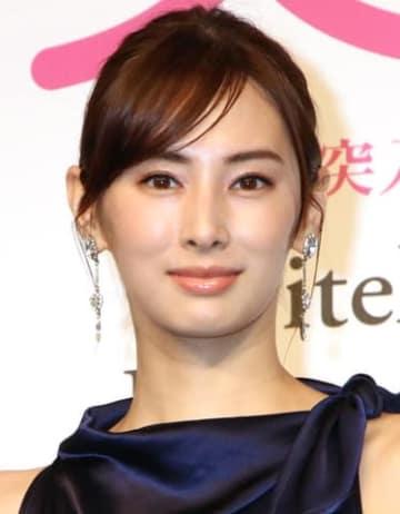 連続ドラマ「家売るオンナの逆襲」で三軒家万智を演じる北川景子さん