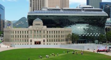 ソウル市庁舎=2012年8月