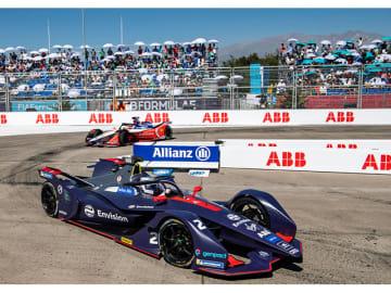 チリのサンティアゴの市街地サーキットで開催されたFIAフォーミュラE選手権の第3戦、アウディ・カスタマーチーム Envision Virgin Racingのカーナンバー2番のサム・バードが優勝