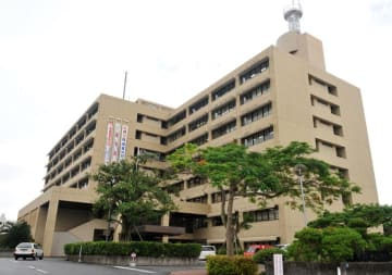 (資料写真)沖縄気象台の入る那覇第一地方合同庁舎