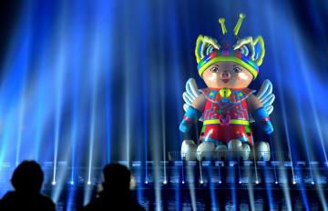 古城の夜を彩る春節イルミネーション 陝西省西安市