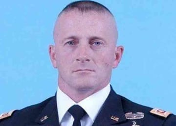 Description English: Army photo of MAJ Richard Ojeda Date Unknown date; before 2013 Source https://media4.s-nbcnews.com/j/newscms/2016_18/1529411/richard_ojeda_9c8f194ec64d3b04dc6ae0396254cb3b.nbcnews-ux-1024-900.jpg Author: United States Army...