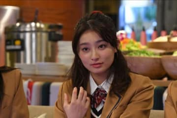 連続ドラマ「初めて恋をした日に読む話」に出演中の吉川愛さん (C)TBS