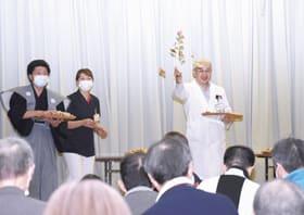 入院患者らが一年の幸福を願い楽しんだ三愛病院の豆まき