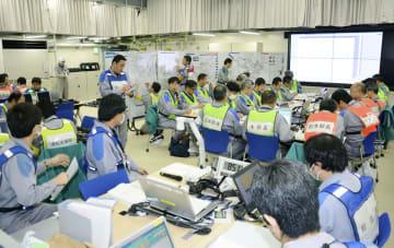 重大事故に備えた訓練で、九州電力玄海原発内に設置された対策本部=2日午前、佐賀県玄海町(代表撮影)