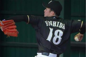 キャンプで初となるブルペン投球を行った日本ハムのドラ1・吉田輝星【写真:荒川祐史】