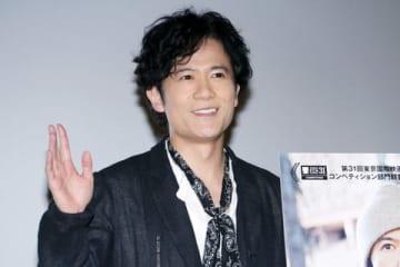 名古屋市内で主演映画「半世界」の舞台あいさつに登場した稲垣吾郎さん