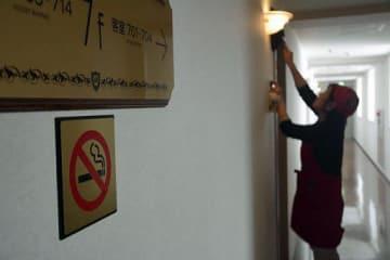 客室も禁煙にしたホテルグランメール山海荘。今後、多くの事業所で対応が求められる