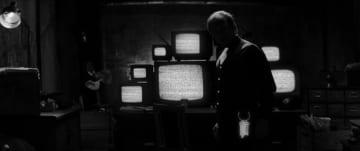 全体主義ストラテジー『Beholder』の実写短編映画が公開! ゲームの世界観を見事に再現