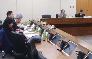 総務省で開かれた電気通信事業政策部会=1月23日、東京都千代田区
