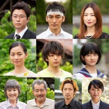 映画『台風家族』公式より