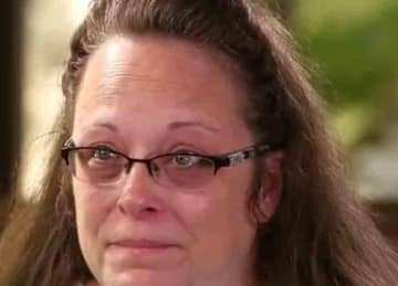 Kentucky county clerk Kim Davis ordered to pay legal fees for gay couples