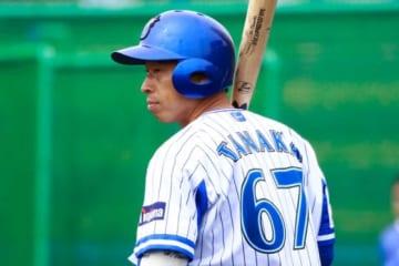 昨季限りで現役を引退した田中浩康氏ら116人が学生野球資格を回復【写真:荒川祐史】
