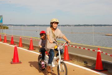 一般公道での2人乗り走行が解禁されるタンデム自転車