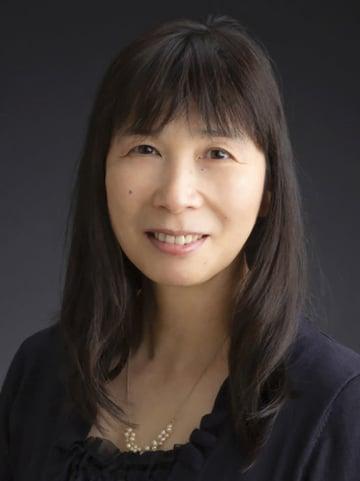 小説「裏庭」が第5回林芙美子文学賞の佳作に選ばれた阿部あみさん(北九州市提供)
