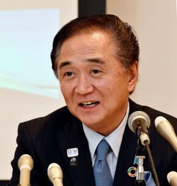 知事選への出馬を表明する黒岩知事=6日夜、横浜市内のホテル