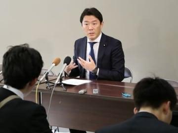衆院新潟6区へのくら替えの意向を改めて示す風間直樹参院議員=6日、県庁