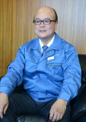 ほそかわ・こうさく 早大卒。1979年日産自動車入社。アジア事業部長、カルソニックカンセイ副社長執行役員などを経て2019年1月EMデバイス社長。63歳。群馬県太田市出身。