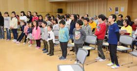 本番に向け練習に熱が入る、ピース合唱団と室蘭マリン少年少女合唱団
