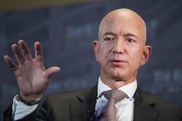アマゾン・コム創業者のジェフ・ベゾスCEO=2018年9月、ワシントン(AP=共同)