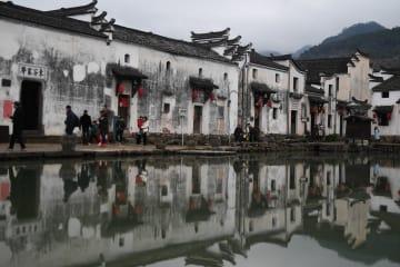 春節ムードあふれる歴史ある江南古村 浙江省建徳市