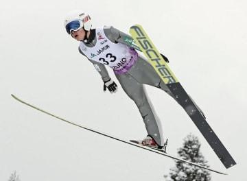 ジャンプ男子 優勝した東海大札幌・藤田慎之介=花輪スキー場