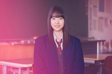 「ワイモバイル」の配信する放課後ドラマ「パラレルスクールDAYS」に出演する高橋ひかるさん
