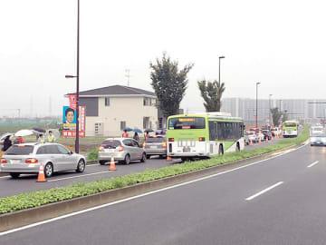 バス優先レーンが設けられた前回の交通社会実験の様子=2018年9月30日、さいたま市緑区(みその都市デザイン協議会提供)