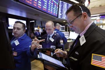 12日のニューヨーク証券取引所(AP=共同)