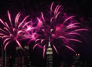 ニューヨークで中国の春節を祝う花火大会
