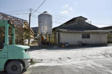 豚コレラが新たに発生した愛知県田原市の養豚場=13日午後0時10分
