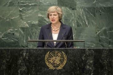 EU 離脱 ブレグジット イギリス メイ首相 英国 日産 辞任否定 今夏 強硬派