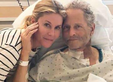 Ex Fleetwood Mac Guitarist Lindsey Buckingham Suffers Vocal Cord Damage From Open Heart Surgery
