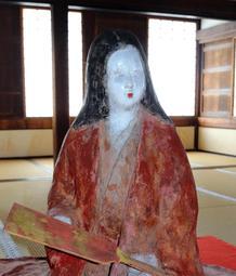 姫路城に展示されている千姫像=姫路市本町