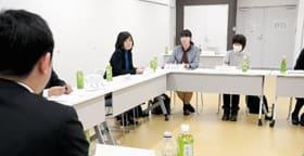 各幼稚園の園長が参加し、青山市長と「これからの幼児教育について」をテーマに意見交換したenとーく