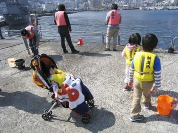 静岡県・熱海港の釣り施設