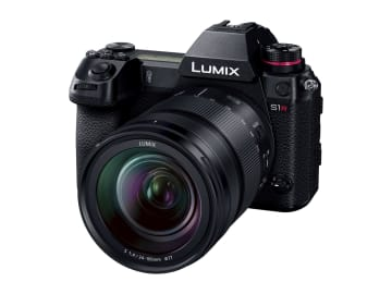パナソニックが発売するミラーレス一眼カメラ「DC―S1R」