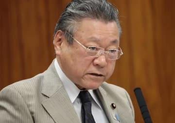 桜田義孝大臣(写真:日刊現代/アフロ)