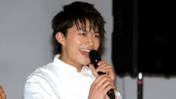 【写真特集】コックコート姿が可愛い&かっこいい! 小林豊のこの日のイベント 王子様みたいな全身ショットも