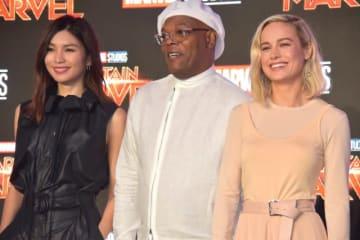 『キャプテン・マーベル』で共演するジェンマ・チャン、サミュエル・L・ジャクソン、主演のブリー・ラーソン