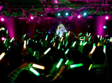 ファン参加型次世代エンタメスペース『SPWN』オープン―あらゆる空間をバーチャルアーティストのライブステージに