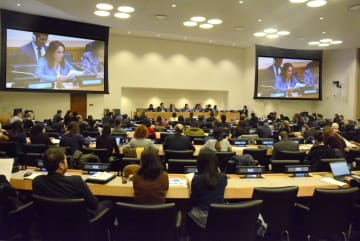 15日、ニューヨークの国連本部で開かれた、「ユニバーサル・ヘルス・カバレッジ」の普及策を話し合う会合(共同)