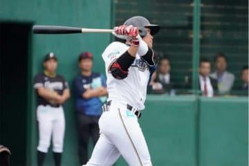 紅白戦で本塁打を放った日本ハム・王柏融【写真:荒川祐史】