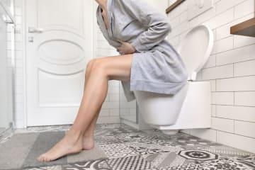 ツラいけど仕方ない…トイレを限界まで我慢した女子の体験談