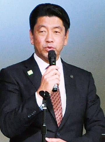 支援者らに語る加藤市長