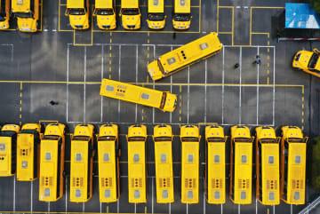 間もなく新学期 中国各地でスクールバスの点検実施