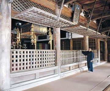 本堂など3堂、藩政期の姿に 羽咋・妙成寺、格子戸立て込む